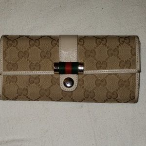 Used Gucci wallet
